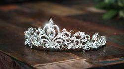 Θάνατος δια απαγχονισμού για την 24χρονη βασίλισσα της ομορφιάς που μαχαίρωσε 25 φορές τον φίλο