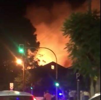 Φωτιά στο πολεμικό μουσείο στα Χανιά. Ολοκληρωτική η