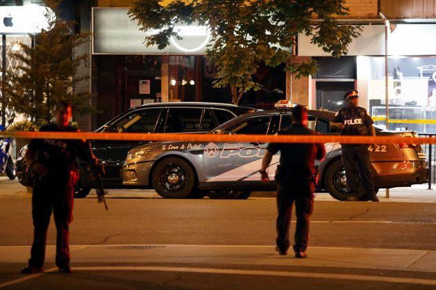 Καναδάς: Ένοπλος άνοιξε πυρ στο Τορόντο. Τρεις νεκροί -μεταξύ των οποίων και ο δράστης- και 12