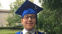 Παιδί-θαύμα αποφοιτά από το Κολλέγιο σε ηλικία μόλις 11