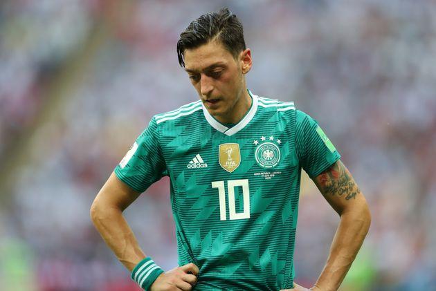 Mesut Özil quitte la sélection allemande, une décision saluée par la
