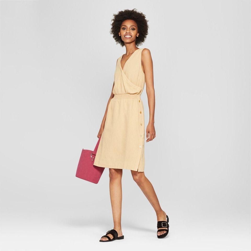 b0cf6eac6e8 16 Plus-Size Linen Dresses That Don t Look Like Baggy Shirts ...