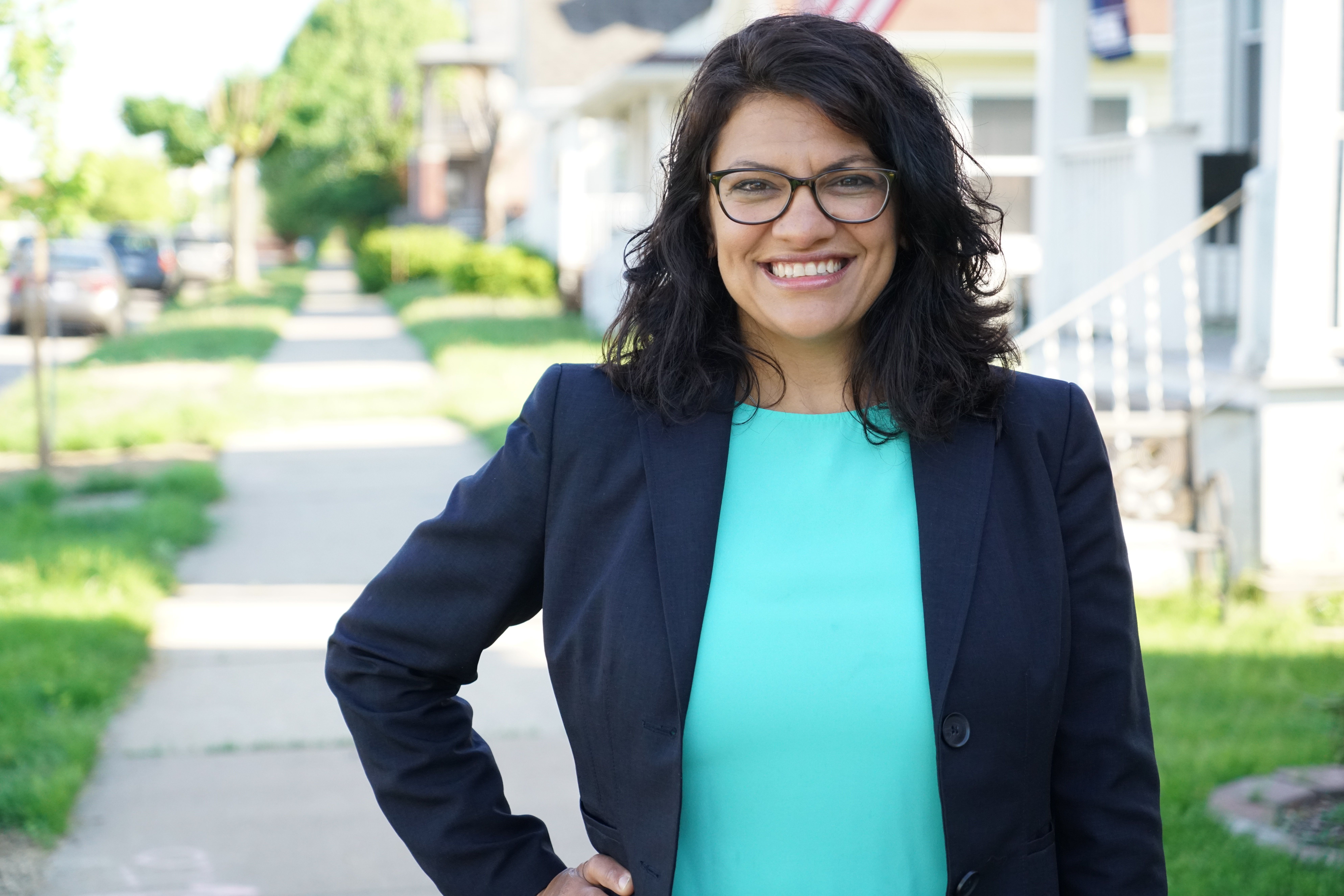 Tlaib canvassing in the Detroit area 2018