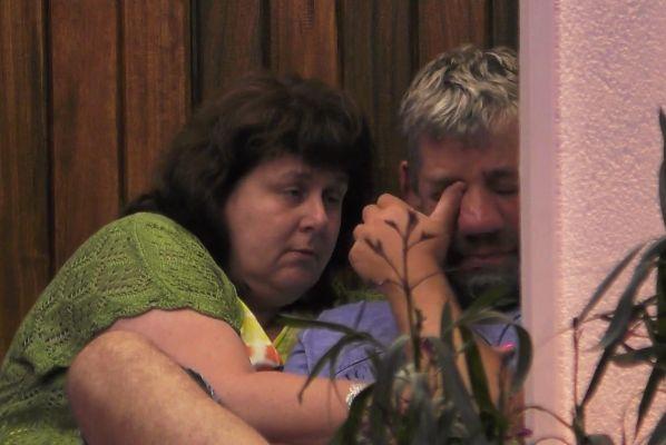 """""""Sommerhaus der Stars"""": Iris spricht über das Aussehen ihres Mannes – Bauer Uwe bricht in Tränen aus"""