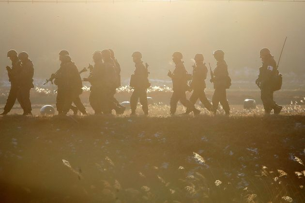 국방부가 DMZ내 병력과 장비를 시범적으로