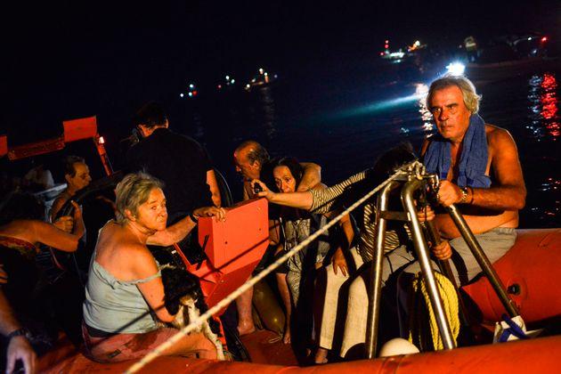 Εκατοντάδες ανθρώπους διέσωσαν Λιμενικό και Πολεμικό Ναυτικό τη νύχτα της