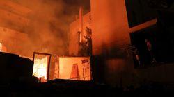 Les images des violents incendies près d'Athènes qui ravagent la