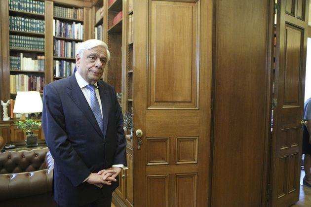 Παυλόπουλος: Σήμερα είναι η επέτειος αποκατάστασης της Δημοκρατίας αλλά όλα τα επισκιάζει η τραγωδία...