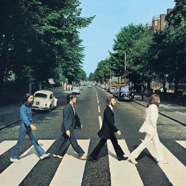 Paul McCartney traverse Abbey Road tout seul et c'est la
