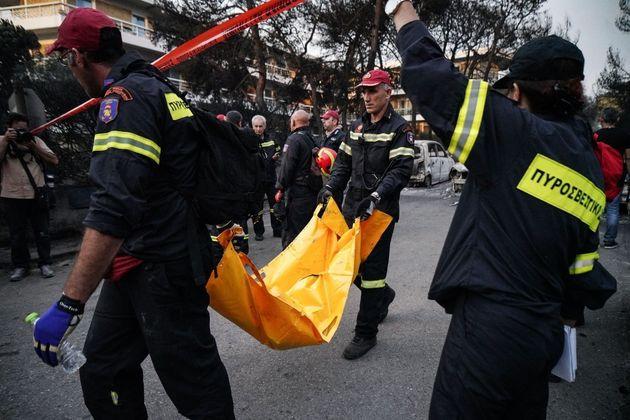 «Πολλά παιδιά» μεταξύ των νεκρών από τις φωτιές στην Ανατολική Αττική, λέει ο ιατροδικαστής Ηλίας