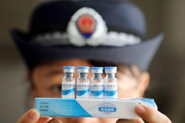 중국 정부가 '불량 백신'을 두고 정부를 비판한 글을 검열해 난리가