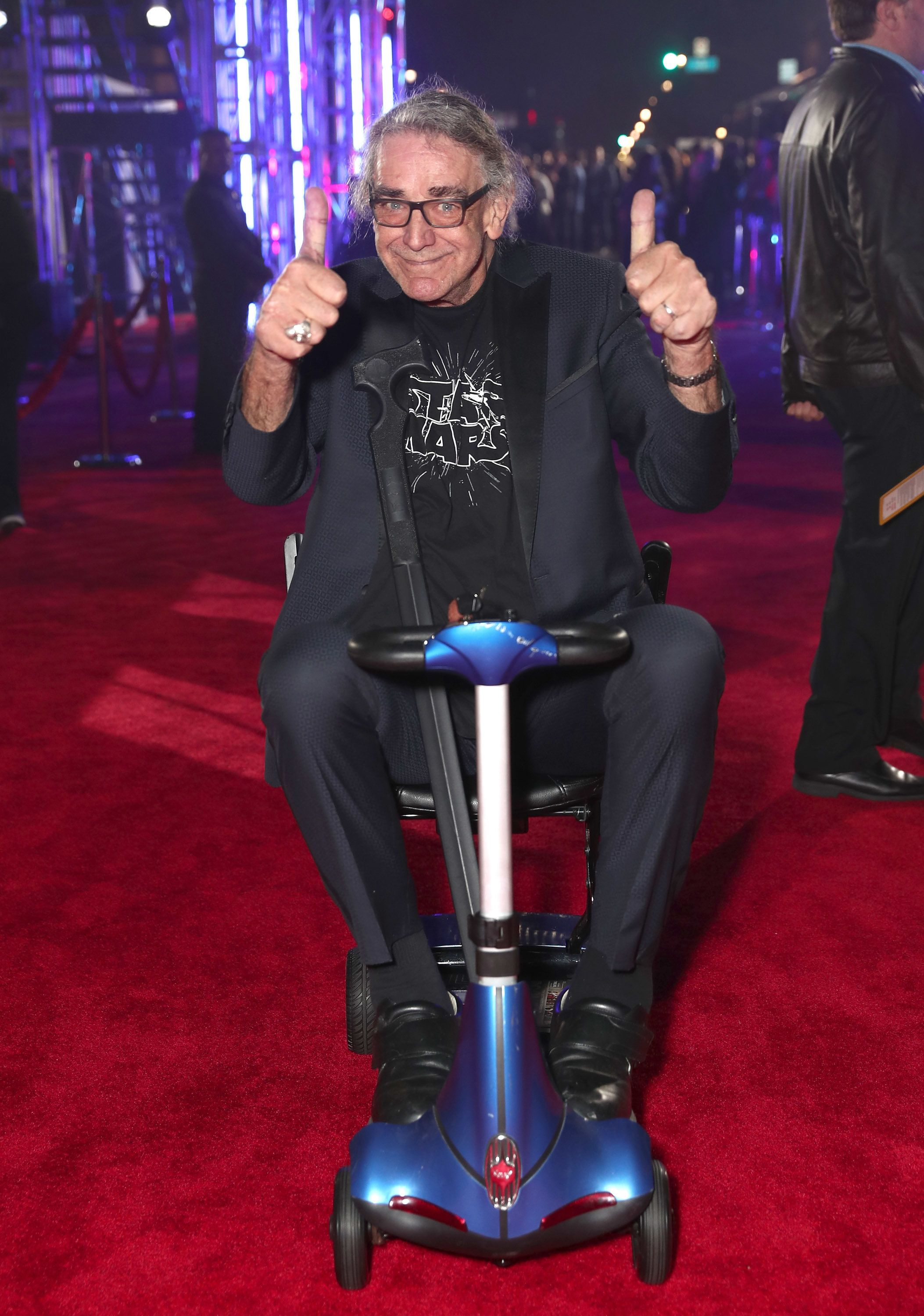 'Star Wars' Actor Peter Mayhew Undergoes Spinal Surgery To Improve