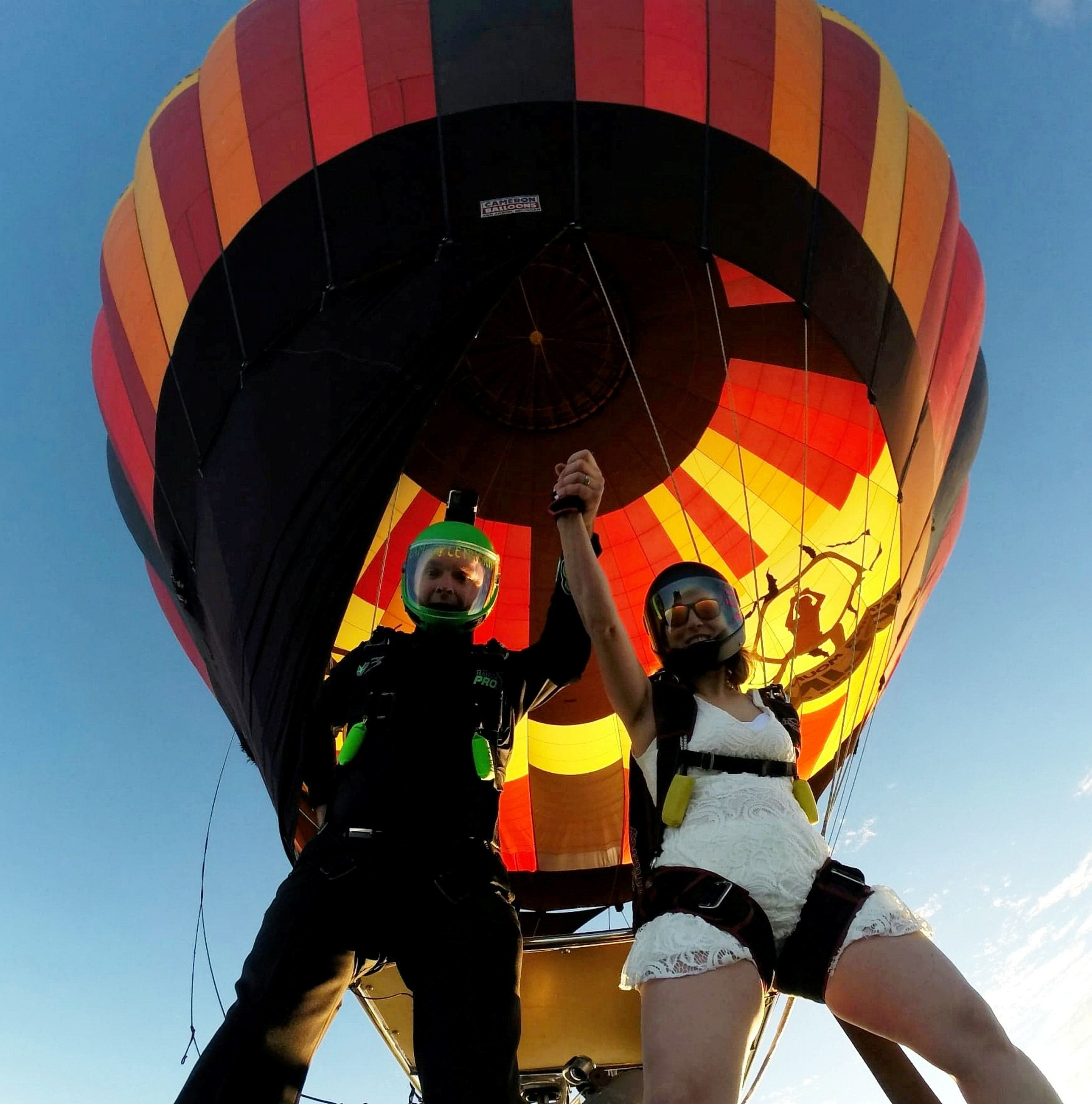 Daredevil Couple Got Married In Hot Air Balloon Followed By A Sky