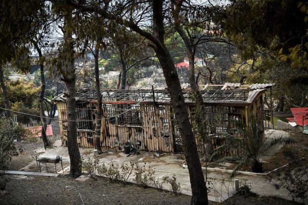 Καταγραφή ζημιών από την πυρκαγιά στην Κινέτα. 139 σπίτια κάηκαν