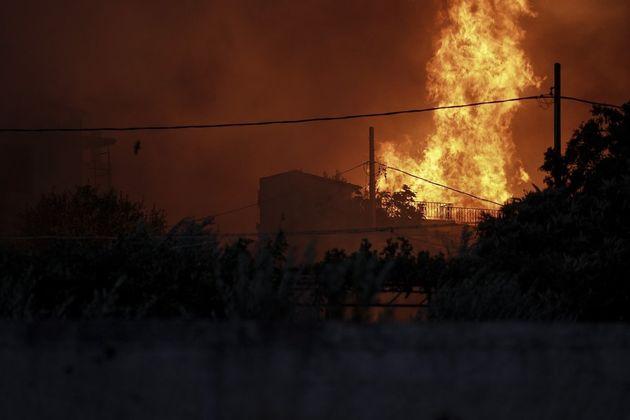 Νέα μέτρα για την παροχή βοήθειας στους πληγέντες της πυρκαγιάς ανακοίνωσε η Εθνική