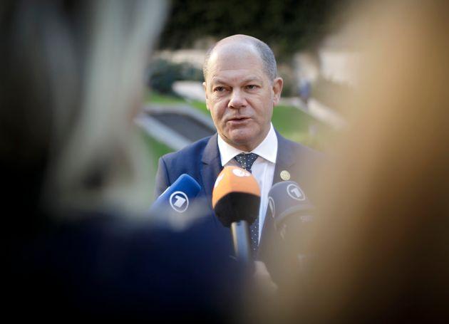 FAZ: Η παράταση καταβολής τόκων για την Ελλάδα κοστίζει 34 δισ. ευρώ εκτιμά το