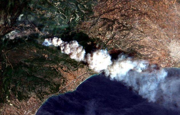 Copernicus: Η πυρκαγιά στη Ραφήνα έκαψε σχεδόν 13.000 στρέμματα και ήταν μικρότερη σε έκταση από αυτή...