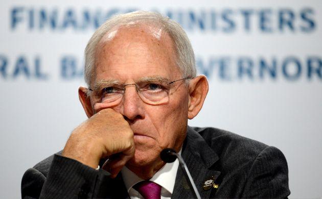 Der Präsident des Deutschen Bundestages Wolfgang Schäuble hat sich zur Diskussion um Mesut...