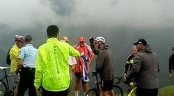 Nach dem Rennen: Polizist stoppt Tour-de-France-Star – der rastet