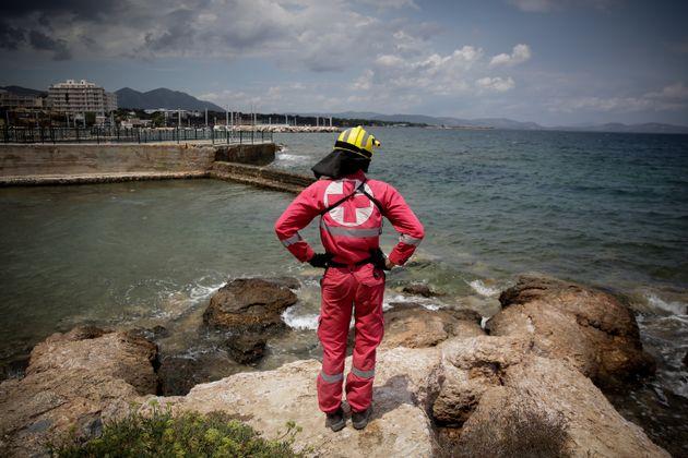 Απόπειρες εκμετάλλευσης της προσπάθειας συνδρομής των πυρόπληκτων καταγγέλλει ο Ελληνικός Ερυθρός