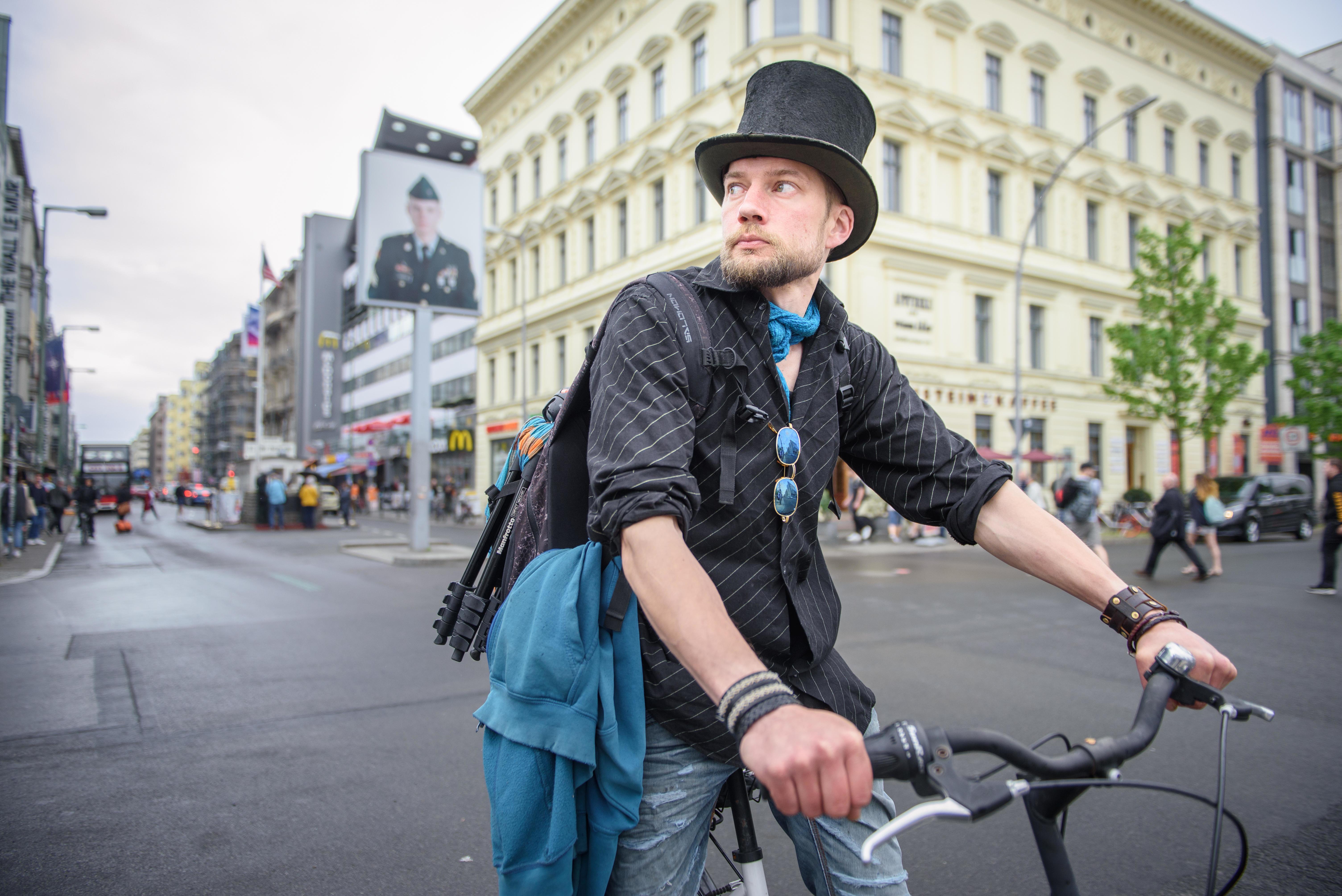Finne berichtet, wie das Grundeinkommen sein Leben verändert hat: