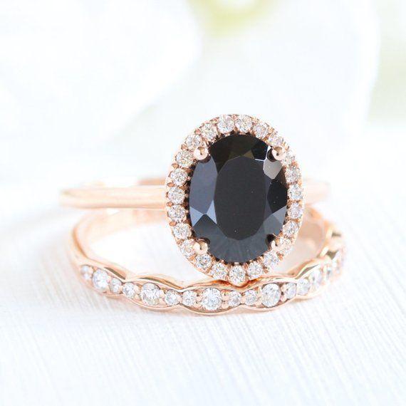 17 bagues de fiançailles noires pour la mariée qui fait ses