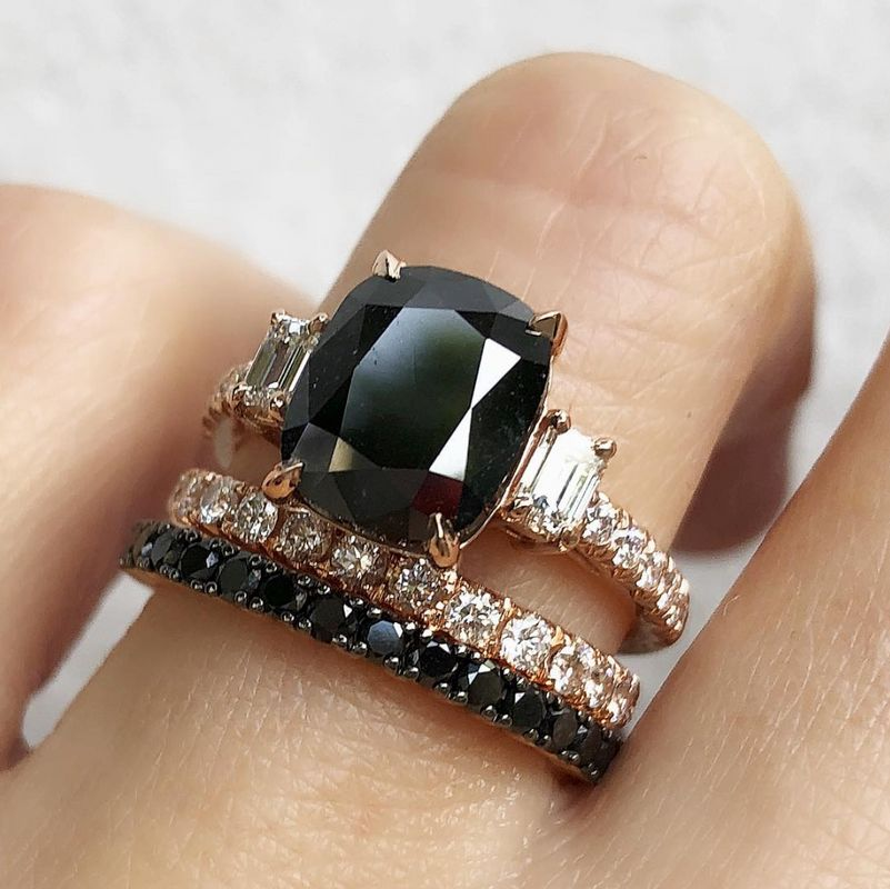 f71c037550e940 17 Black Engagement Rings For Brides Who Make Their Own Rules ...