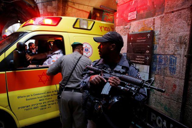 Τρεις Ισραηλινοί τραυματίες από επίθεση με μαχαίρι σε οικισμό στη Δυτική
