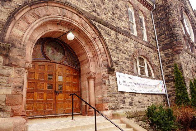 토론토 한 교회에 붙어있는