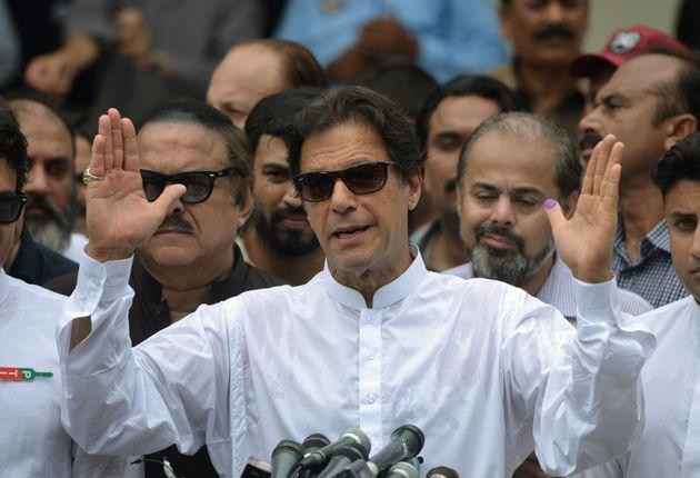 파키스탄 '크리켓 스타' 임란 칸의 'PTI(파키스탄정의운동)'가 총선 승리
