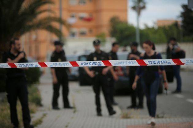La police espagnole met la main sur une tonne de haschich au cours d'une opération anti narcotique entre...
