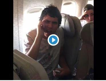 Απίστευτο περιστατικό σε αεροπλάνο με επιληπτικό παιδί. Το έδιωξαν από την πτήση γιατί δεν είχε χαρτί