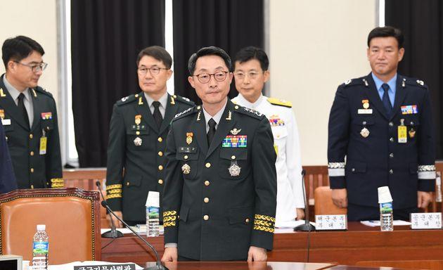 이석구 국군기무사령부 기무사령관이 27일 오후 서울 여의도 국회에서 열린 정보위원회 전체회의에 출석하고