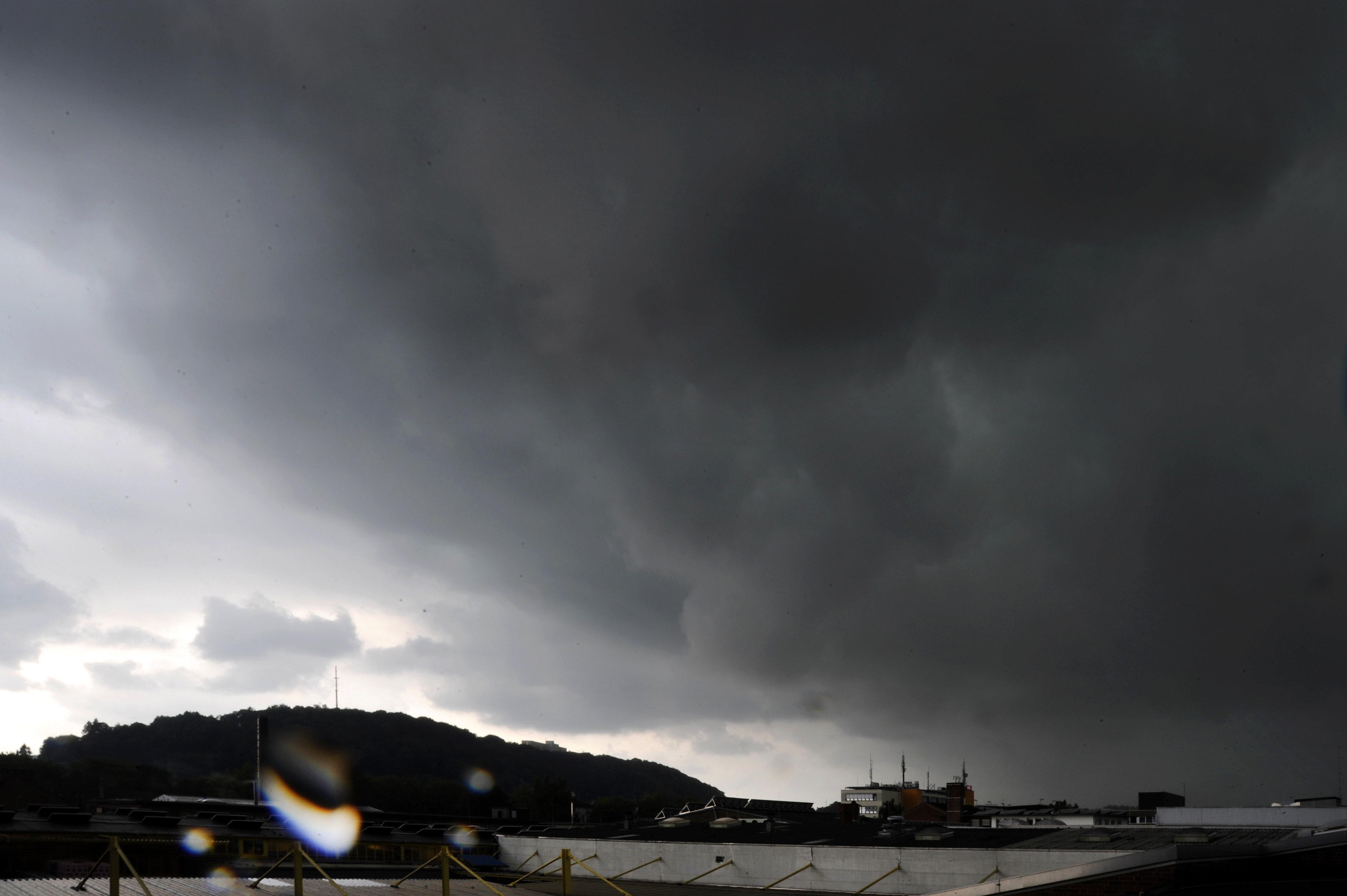 Nach brutaler Hitze: Hier drohen jetzt Unwetter mit Sturm, Hagel und