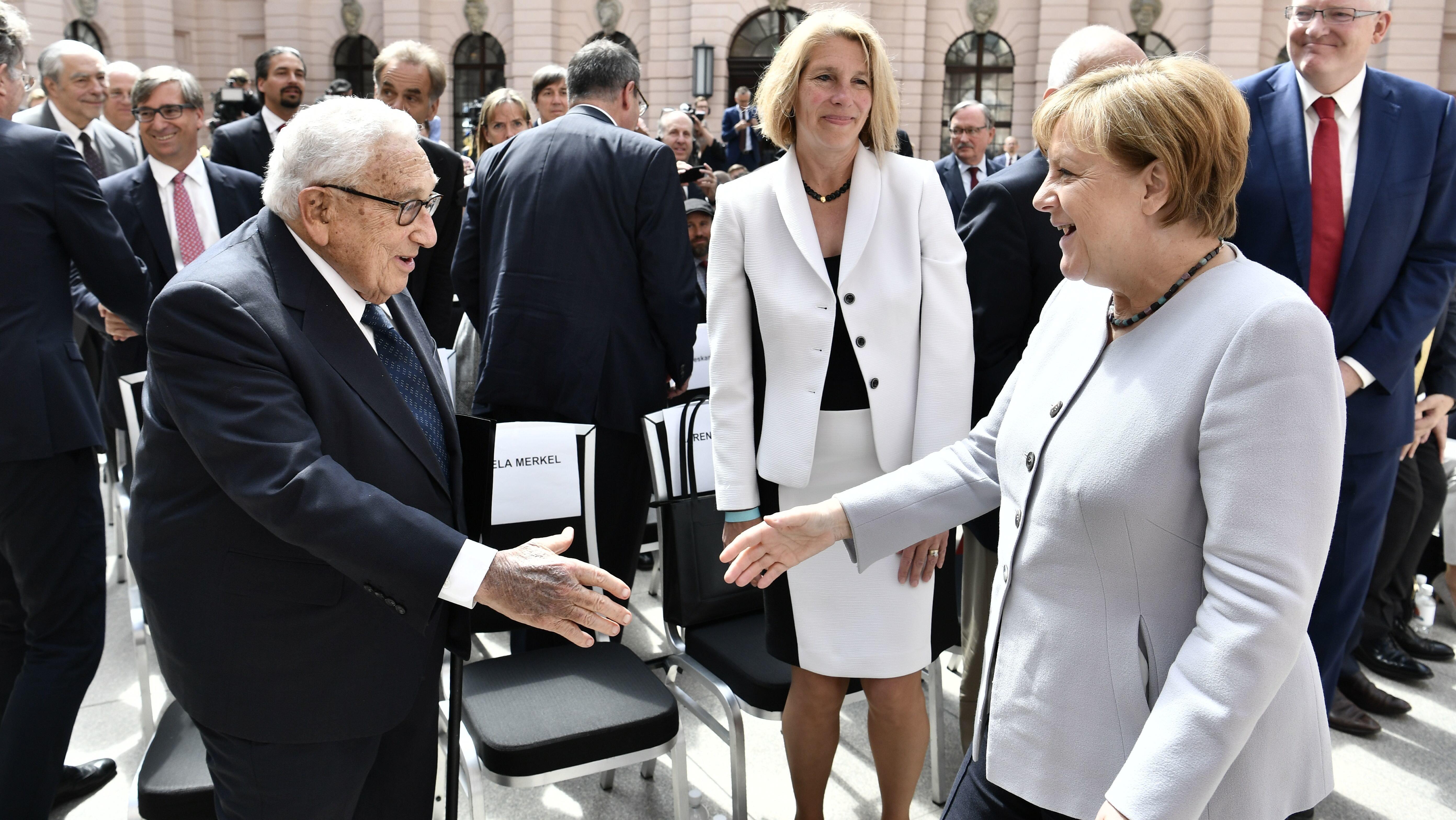Von Merkel enttäuscht: Legendärer US-Diplomat kritisiert die Kanzlerin