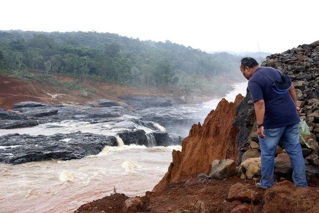 라오스 댐 붕괴현장 첫 접근…'빗물 계곡'에 추가 붕괴
