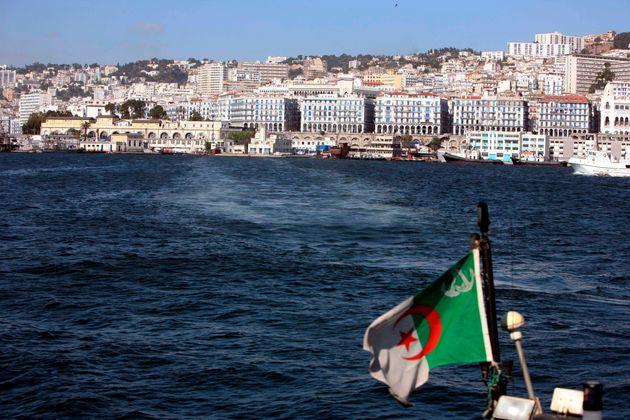 84% des Algériens prêts à s'expatrier pour un emploi, selon une étude