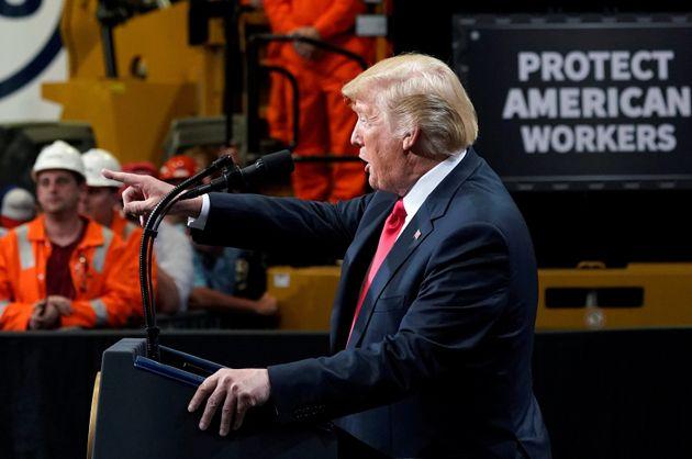 트럼프가 의회에 '멕시코 장벽' 예산을 요구하며 '셧다운'을