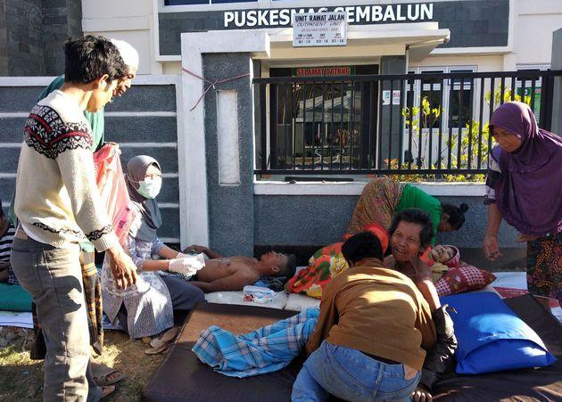 Μεγάλη επιχείρηση στην Ινδονησία μετά τον σεισμό των 6,4 Ρίχτερ. Δεκάδες άτομα αποκλεισμένα στη νήσο