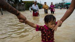 Μιανμάρ: Νεκροί και δεκάδες χιλιάδες εκτοπισμένοι από τις