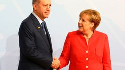 """Erdogan in Deutschland: Wieso """"Kniefall""""-Vorwurf gegen Merkel falsch ist"""