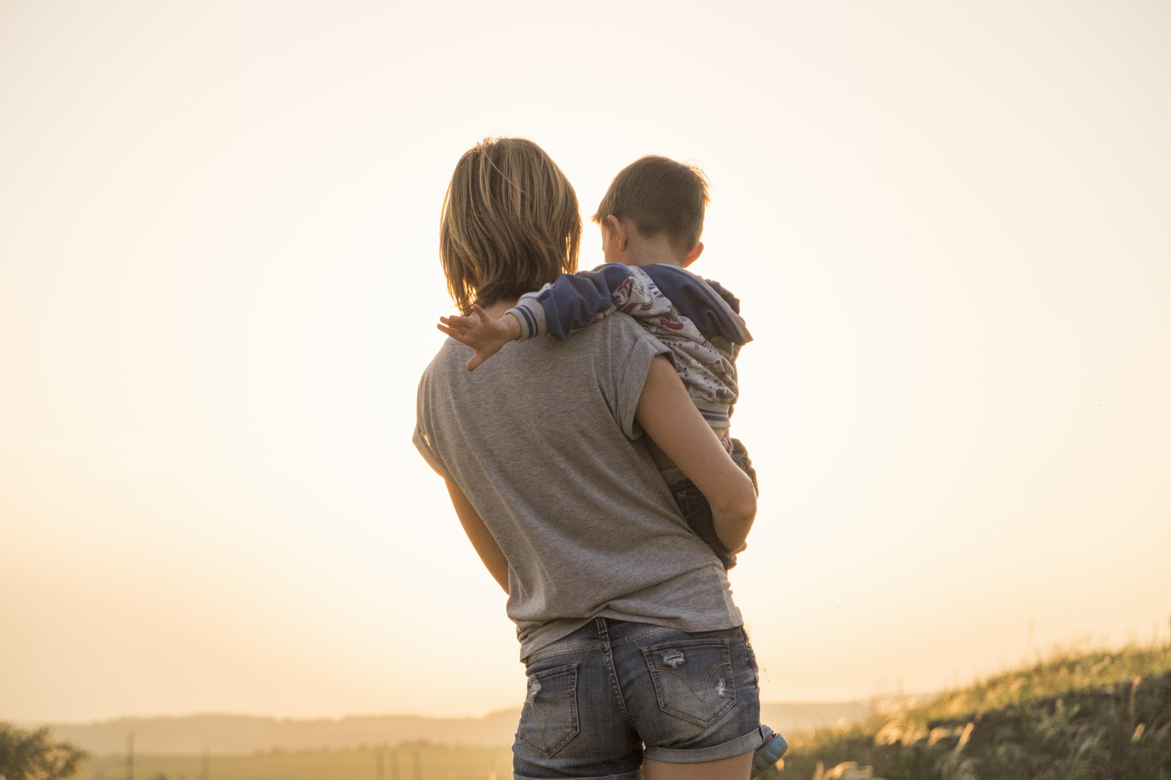 Mutter weiß, dass sie sterben muss – und macht ihrem 2-jährigen Sohn ein einzigartiges