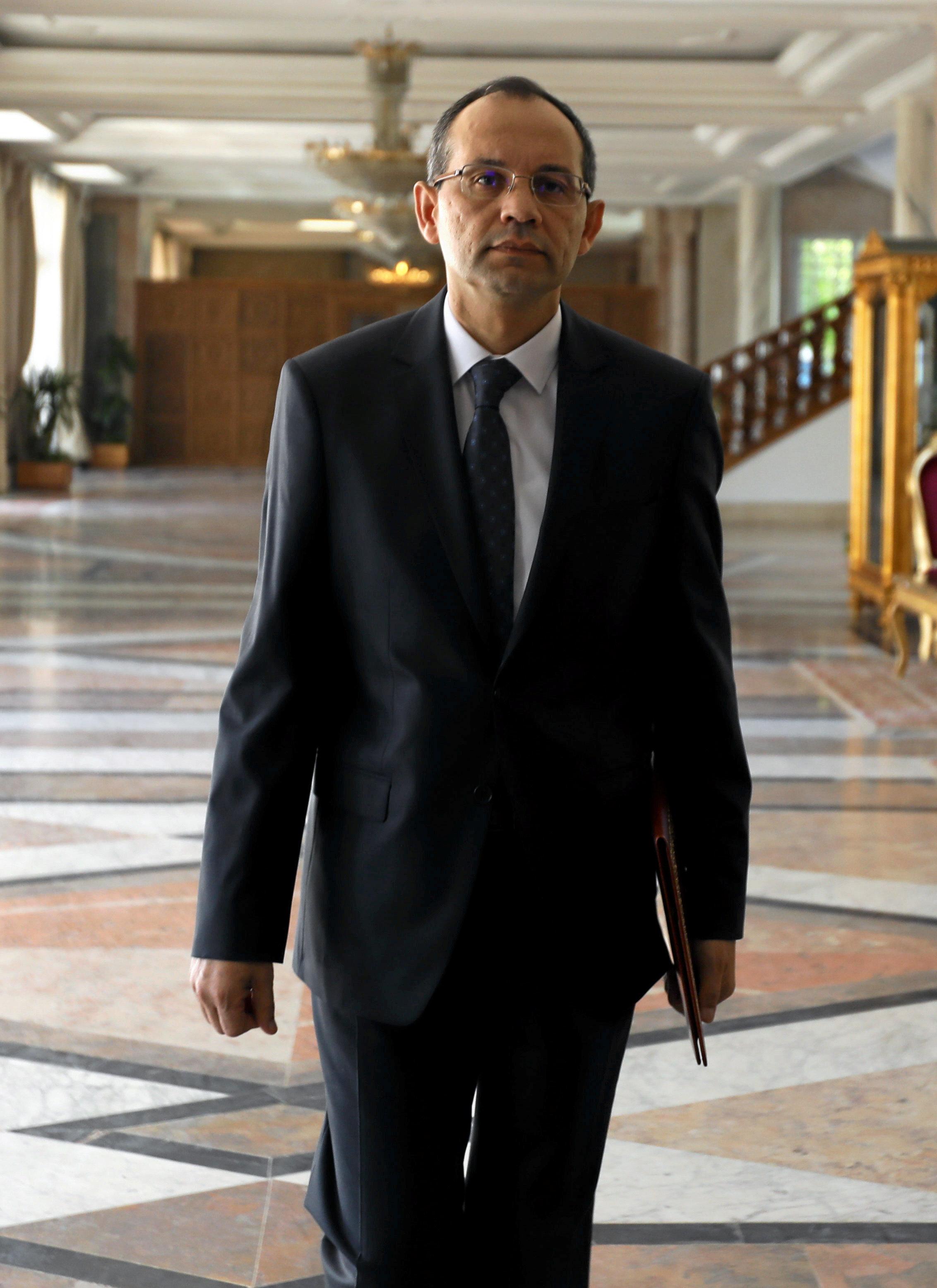 Le nouveau ministre de l'Intérieur servira-t-il enfin les libertés et droits citoyens