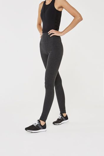 04e44cd54af5a Workout Clothes For Tall Women That Won't Show Extra Skin | HuffPost ...