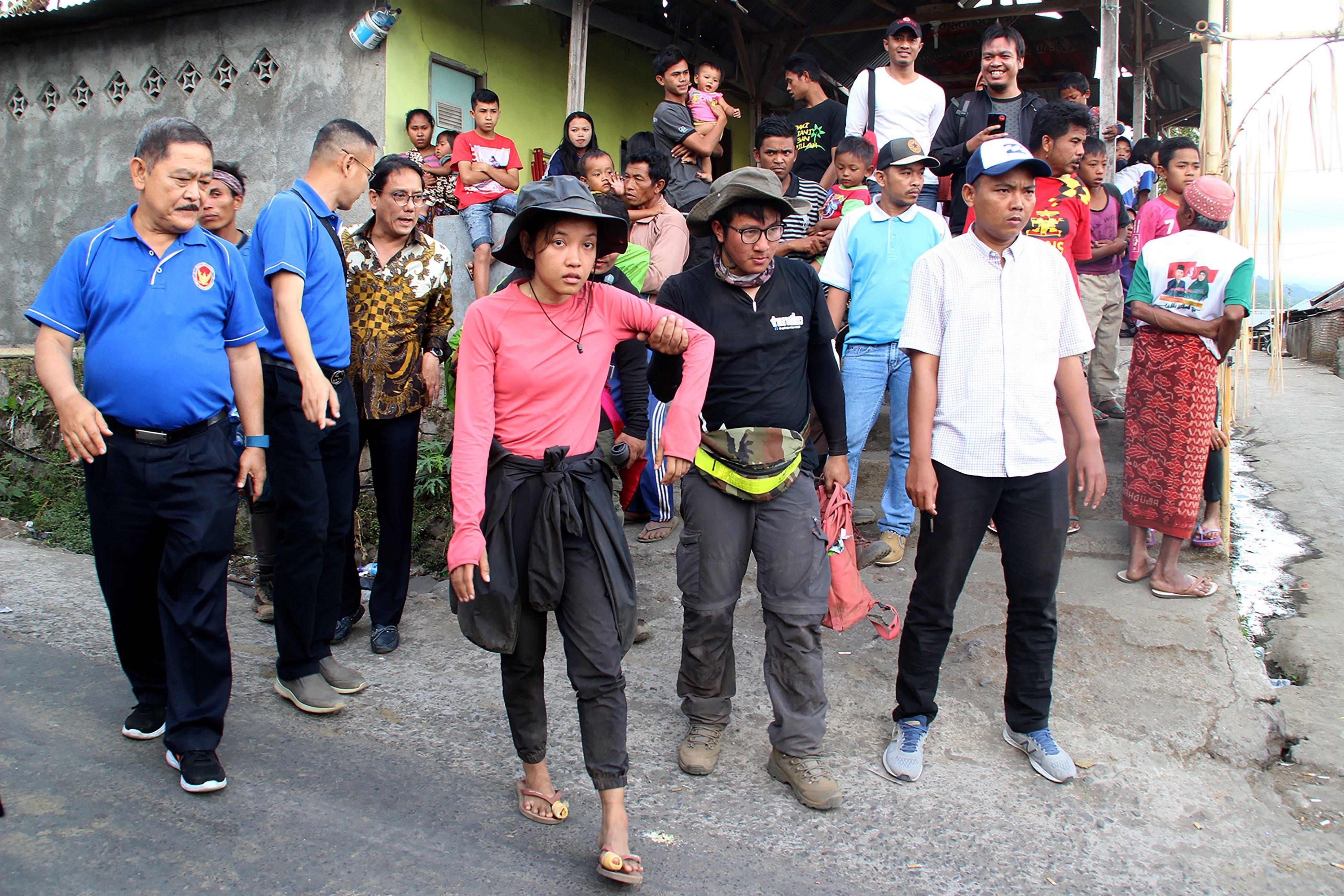 Αίσιο τέλος για περισσότερα από 500 άτομα που εγκλωβίστηκαν στη νήσο Λομπόκ της Ινδονησίας μετά τον σεισμό των 6,4