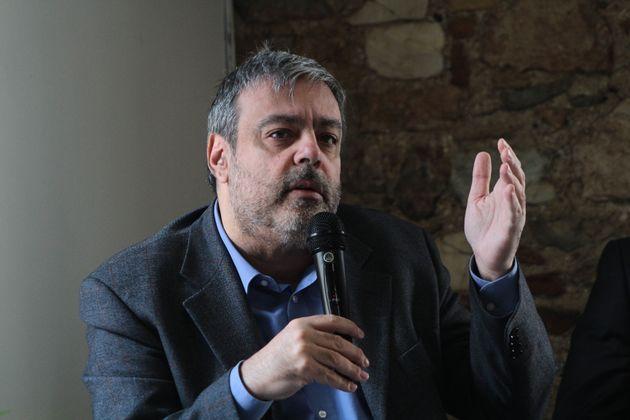 Βερναρδάκης: Αν προσωποποιούμε την πολιτική ευθύνη, θα πρέπει να παραιτηθεί το 1/3 των βουλευτών της...