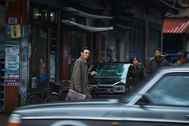 영화 '공작'은 첩보원들이 벌이는 '밀당'의 세계를