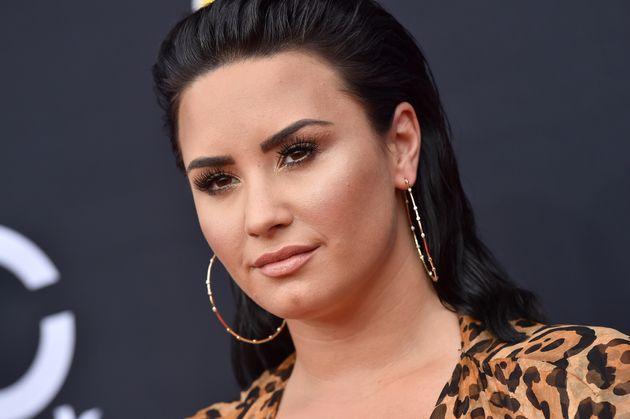 Οι φίλοι της Demi Lovato «σπάνε» τη σιωπή τους για την ανάρρωσή της μετά την υπερβολική δόση ναρκωτικών:...