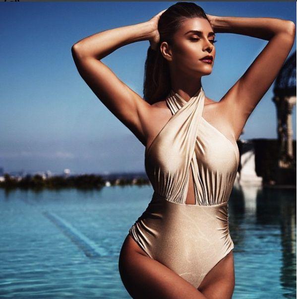 Shiva Safai, la belle-mère sexy de Gigi et Bella Hadid, nous parle du