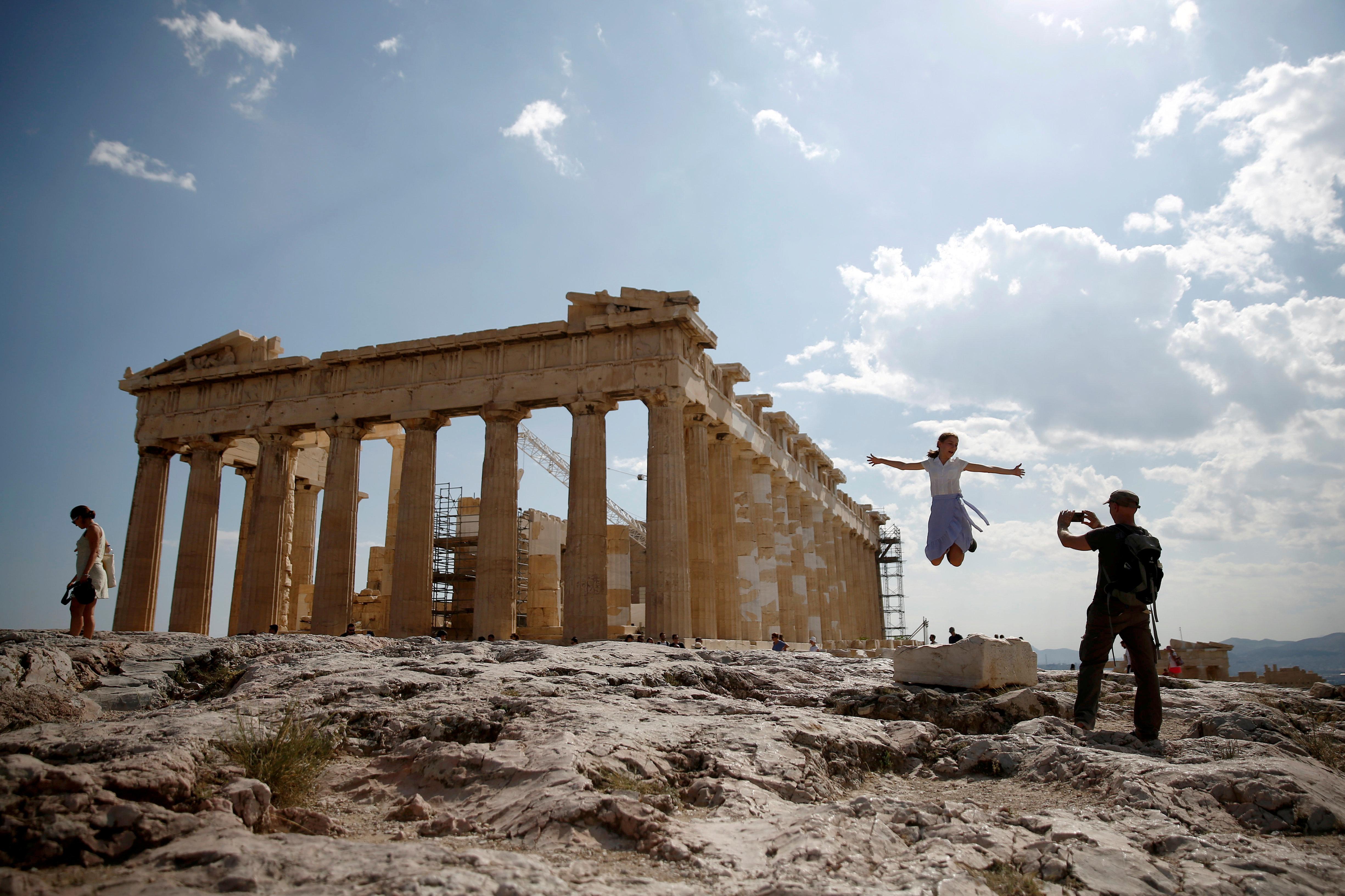 Νέο ρεκόρ αφίξεων τουριστών «βλέπει» ο